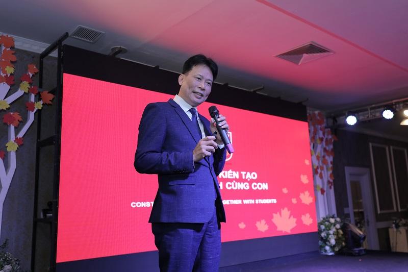 PGS. TS Phó Đức Hòa - Phó Trưởng Khoa Giáo dục tiểu học Đại học Sư phạm Hà Nội chia sẻ tại hội thảo.
